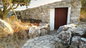石头空的房子  库存照片