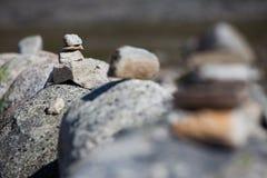 石头金字塔  免版税库存图片