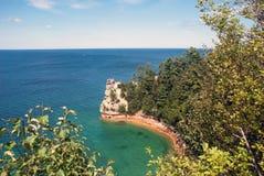 矿工防御-被生动描述的Rocks全国湖岸,密执安,美国 免版税库存图片