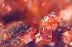 矿物魔术  纹理红色背景水晶 美好的dre 免版税库存图片