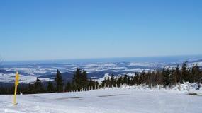 矿石山在冬天 库存图片