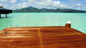 码头在热带海滩的海在法属波利尼西亚 股票视频