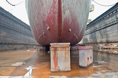 码头干燥船 免版税库存图片