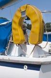 码头白色游艇 库存照片