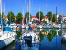 码头的一个美丽如画的夏天视图在里米尼 意大利 图库摄影