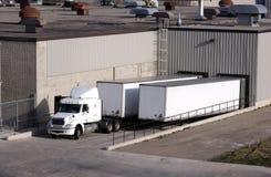 码头装载卡车 库存图片