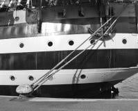 码头边帆船 免版税库存照片