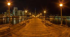 码头7全景在旧金山在晚上 库存照片