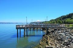 码头ruston塔科马江边方式 库存图片