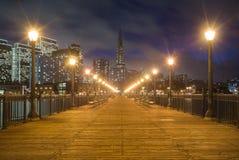 码头7在晚上 免版税库存图片