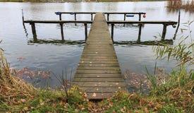 码头在秋天 库存照片