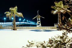 码头在雪覆盖的滨海弗兰卡维拉 库存照片