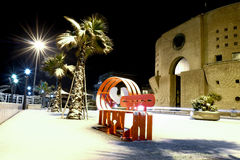 码头在雪覆盖的滨海弗兰卡维拉 库存图片