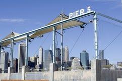 码头5布鲁克林大桥公园 库存照片