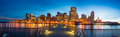 从码头14的旧金山视图 免版税库存图片