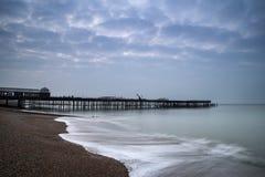 码头建设中和发展日出风景  库存图片