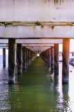 码头钢筋混凝土柱子  帕兰加,立陶宛 图库摄影