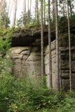 砂岩峭壁 免版税库存照片