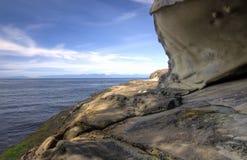 砂岩海滩峭壁 免版税图库摄影