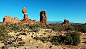 砂岩风景充满活力的沙漠视图  图库摄影