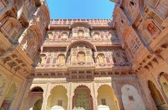 砂岩Udaipur, Rajastan,印度Palast  库存照片