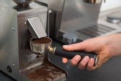 研的浓咖啡 免版税图库摄影