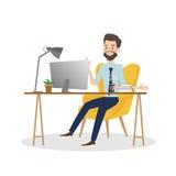 研究计算机的商人在办公桌 免版税库存图片