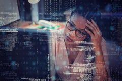 研究计算机的女实业家在书桌3D 免版税库存图片