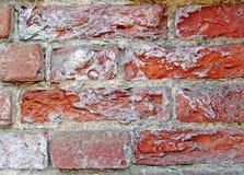 砖击碎了脏的老红色 图库摄影