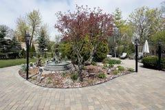 砖喷泉露台水 免版税库存图片