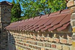 砖在Kac修道院的篱芭墙壁在塞尔维亚 库存图片