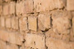 砖墙在房子里作为抽象背景 库存照片