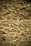 砖墙纹理的老脏的背景 免版税库存照片