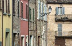 砖房子和灯 免版税库存照片