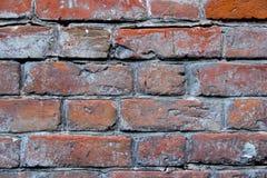 砖损坏的老墙壁 免版税库存图片