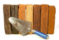 砖排与修平刀的 免版税库存图片