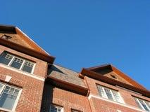 砖新的市内住宅 免版税图库摄影