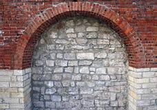 以砖曲拱的形式建筑元素 图库摄影