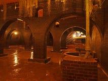 砖曲拱,维多利亚女王时代的水库 库存图片