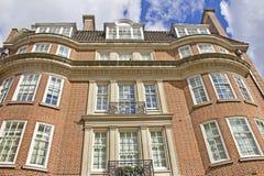 砖瓦房典型伦敦的红色 免版税库存照片
