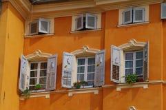 砖瓦房门面老红色 免版税库存图片