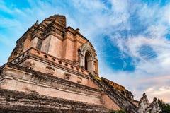 从砖的古老塔编译在Wat Chedi Luang在Chiang Mai泰国 免版税库存图片