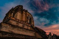 从砖的古老塔编译在Wat Chedi Luang在Chiang Mai泰国 库存图片