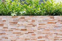 砖石头的装饰庭院 免版税库存照片