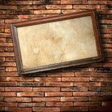 砖草绿色墙壁 库存图片