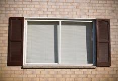砖视窗 免版税库存图片