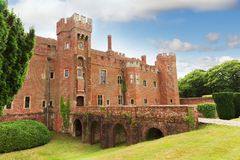 砖Herstmonceux城堡在英国东萨塞克斯郡 免版税库存图片