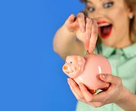 破产和赠送品,家庭预算 图库摄影