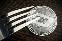 破折号是交换和这隐藏货币一个现代方式  库存图片