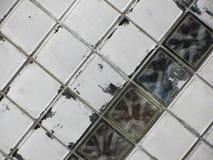 破旧的别致的玻璃窗铺磁砖对角线 免版税库存图片